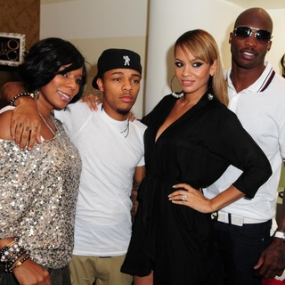 Bow Wow, Evelyn Lozada, Chad Ochocinco in Dulce Taste Spi-n Shop 2011