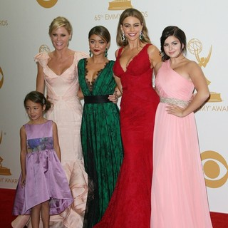 Aubrey Anderson-Emmons, Julie Bowen, Sarah Hyland, Sofia Vergara, Ariel Winter in 65th Annual Primetime Emmy Awards - Press Room