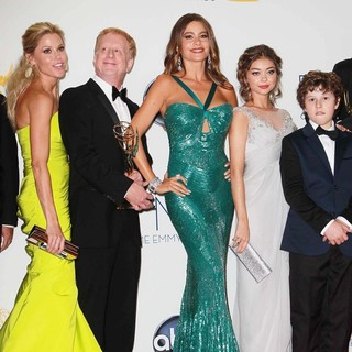 Julie Bowen, Sarah Hyland, Sofia Vergara, Nolan Gould in 64th Annual Primetime Emmy Awards - Press Room