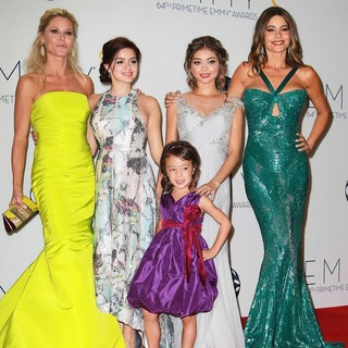 Julie Bowen, Ariel Winter, Aubrey Anderson-Emmons, Sarah Hyland, Sofia Vergara in 64th Annual Primetime Emmy Awards - Press Room