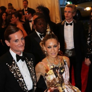 Hamish Bowles, Sarah Jessica Parker in PUNK: Chaos to Couture Costume Institute Gala