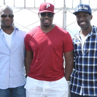 Boyz II Men Promote Their New Single - boyz-ii-men-promote-new-single-01