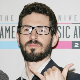 Brad Delson, Linkin Park in The 40th Anniversary American Music Awards - Press Room