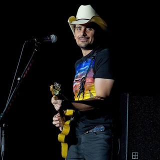 Brad Paisley in Brad Paisley Performing