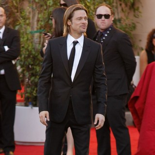 Brad Pitt in The 18th Annual Screen Actors Guild Awards - Arrivals
