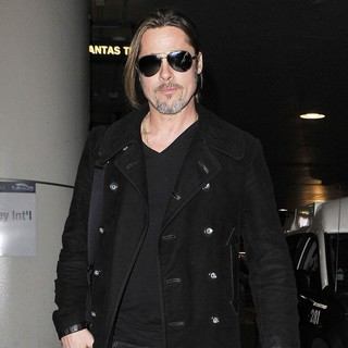 Brad Pitt Arriving at LAX After Flying in from London