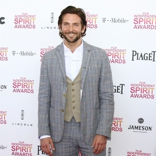 Bradley Cooper in 2013 Film Independent Spirit Awards - Arrivals - bradley-cooper-2013-film-independent-spirit-awards-05