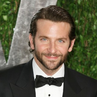Bradley Cooper in 2013 Vanity Fair Oscar Party - Arrivals - bradley-cooper-2013-vanity-fair-oscar-party-01