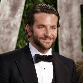 Bradley Cooper in 2013 Vanity Fair Oscar Party - Arrivals - bradley-cooper-2013-vanity-fair-oscar-party-02