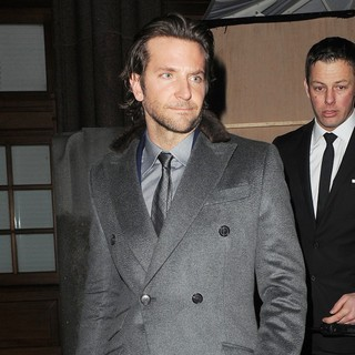 Bradley Cooper Shows No Sign of Shaking Off His Ladies Man Reputation - bradley-cooper-shows-no-sign-01