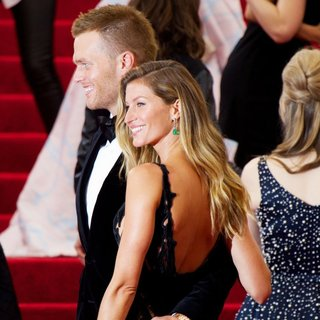 Tom Brady, Gisele Bundchen in Charles James: Beyond Fashion Costume Institute Gala - Arrivals