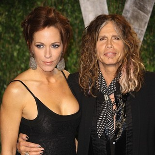Erin Brady, Steven Tyler in 2012 Vanity Fair Oscar Party - Arrivals