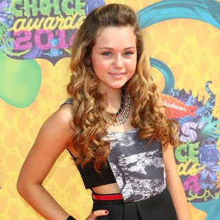 Brec Bassinger in Nickelodeon's 27th Annual Kids' Choice Awards - Arrivals