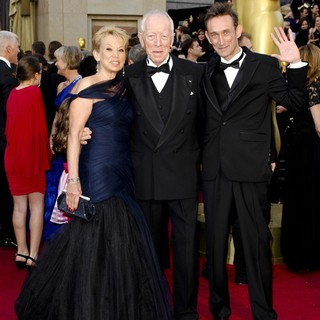 Catherine Brelet, Max von Sydow in 84th Annual Academy Awards - Arrivals
