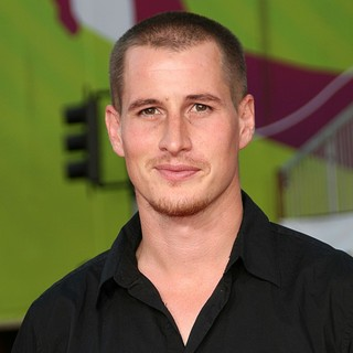 Brendan Fehr in World Premiere of The X-Files: I Want to Believe - brendan-fehr-premiere-the-x-files-i-want-to-believe-01
