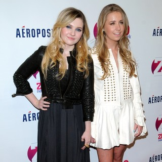 Abigail Breslin, Cassidy Reiff in Z100's 2011 Jingle Ball Presented by Aeropostale - Arrivals
