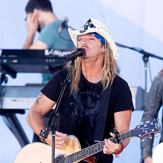 Bret Michaels - Bret Michaels and Miley Cyrus Perform on ABC's 'Good Morning America'