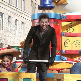 Brett Eldredge in 87th Macy's Thanksgiving Day Parade