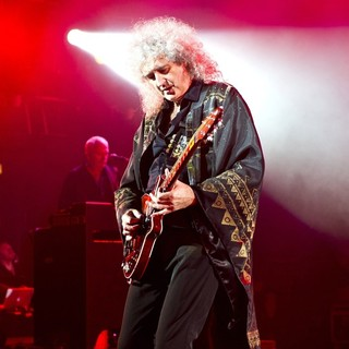 Brian May, Queen in Queen and Adam Lambert Performing Live