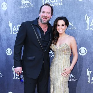Lee Brice, Sarah Parlinten in 49th Annual Academy of Country Music Awards - Arrivals