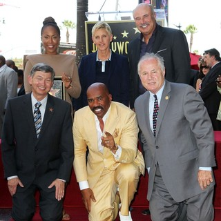 Marjorie Bridges, Leron Gubler, Ellen DeGeneres, Steve Harvey, Phil McGraw, Tom LaBonge in Steve Harvey Is Honoured with A Star on The Hollywood Walk of Fame