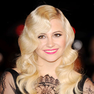 Pixie Lott in The BRIT Awards 2010 - 30th Anniversary - Arrivals