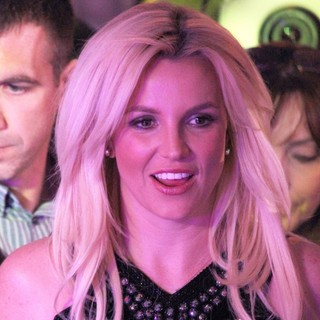 Britney Spears in Britney Spears Arrives at Planet Hollywood