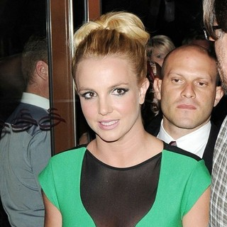 Britney Spears - Britney Spears Leaving A Hotel