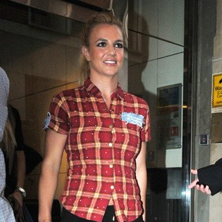 Britney Spears in Britney Spears Outside The KISS FM Radio Studios