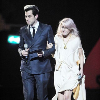 Mark Ronson, Ellie Goulding in The BRIT Awards 2011 - Inside