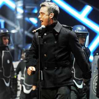 Robbie Williams in The BRIT Awards 2011 - Inside