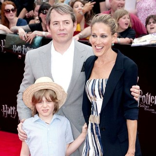 Matthew Broderick, James Wilkie Broderick, Sarah Jessica Parker in New York Premiere of Harry Potter and the Deathly Hallows Part II - Arrivals