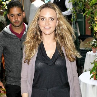 Brooke Mueller in Celebrities Depart Il Cielo in Beverly Hills After Attending The Birthday Party of Kathy Hilton