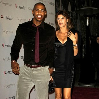 Mehcad Brooks, Elisabetta Canalis in Celebrity Magenta Carpet Arrivals at The Launch Party for Google Music Available on T-Mobile