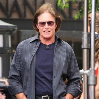 Bruce Jenner in Celebrities to Appear on Entertainment News Show Extra