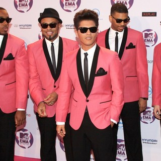 Bruno Mars in The MTV Europe Music Awards 2011 (EMAs) - Arrivals