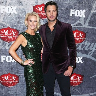 Caroline Bryan, Luke Bryan in 2012 American Country Awards - Arrivals