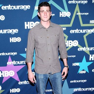 Bryan Greenberg in Final Season Premiere of HBO's Entourage - bryan-greenberg-premiere-entourage-final-season-01