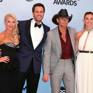 Caroline Bryan, Luke Bryan, Tim McGraw, Faith Hill in 47th Annual CMA Awards - Red Carpet