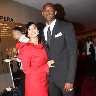 Vanessa Bryant, Kobe Bryant in Valentino Garavani Is Honored with The 2011 Couture Council Award for Artistry of Fashion