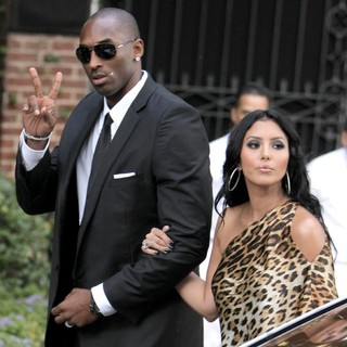 Kobe Bryant, Vanessa Bryant in The Wedding of Khloe Kardashian and Lamar Odom