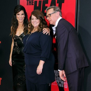 Sandra Bullock, Melissa McCarthy, Paul Feig in New York Premiere of The Heat - Red Carpet Arrivals