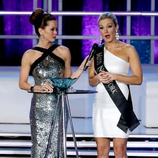 Brooke Burke, Mallory Hagan in 2013 Miss America Final Competition