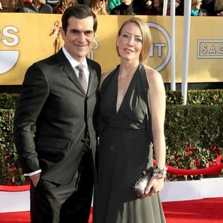 Ty Burrell, Holly Burrell in 19th Annual Screen Actors Guild Awards - Arrivals
