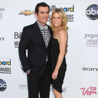 Ty Burrell, Julie Bowen in 2012 Billboard Music Awards - Arrivals