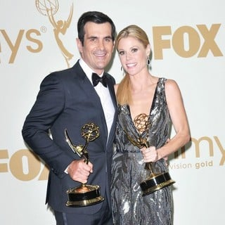Ty Burrell, Julie Bowen in The 63rd Primetime Emmy Awards - Press Room