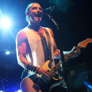 Gavin Rossdale, Bush in Bush Perform Live