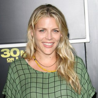 Los Angeles Premiere of 30 Minutes or Less - busy-philipps-premiere-of-30-minutes-or-less-01