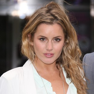 Caggie Dunlop in World Premiere of Snow White and the Huntsman - Arrivals
