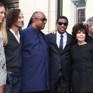 Colbie Caillat, Kenny G, Stevie Wonder, Babyface, Carole Bayer Sager, David Foster in Babyface Honored with A Walk of Fame Star Ceremony